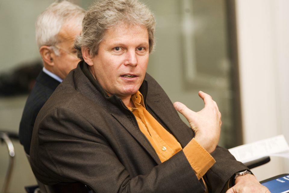 Expertenbeirat: Dr. Robert Korab